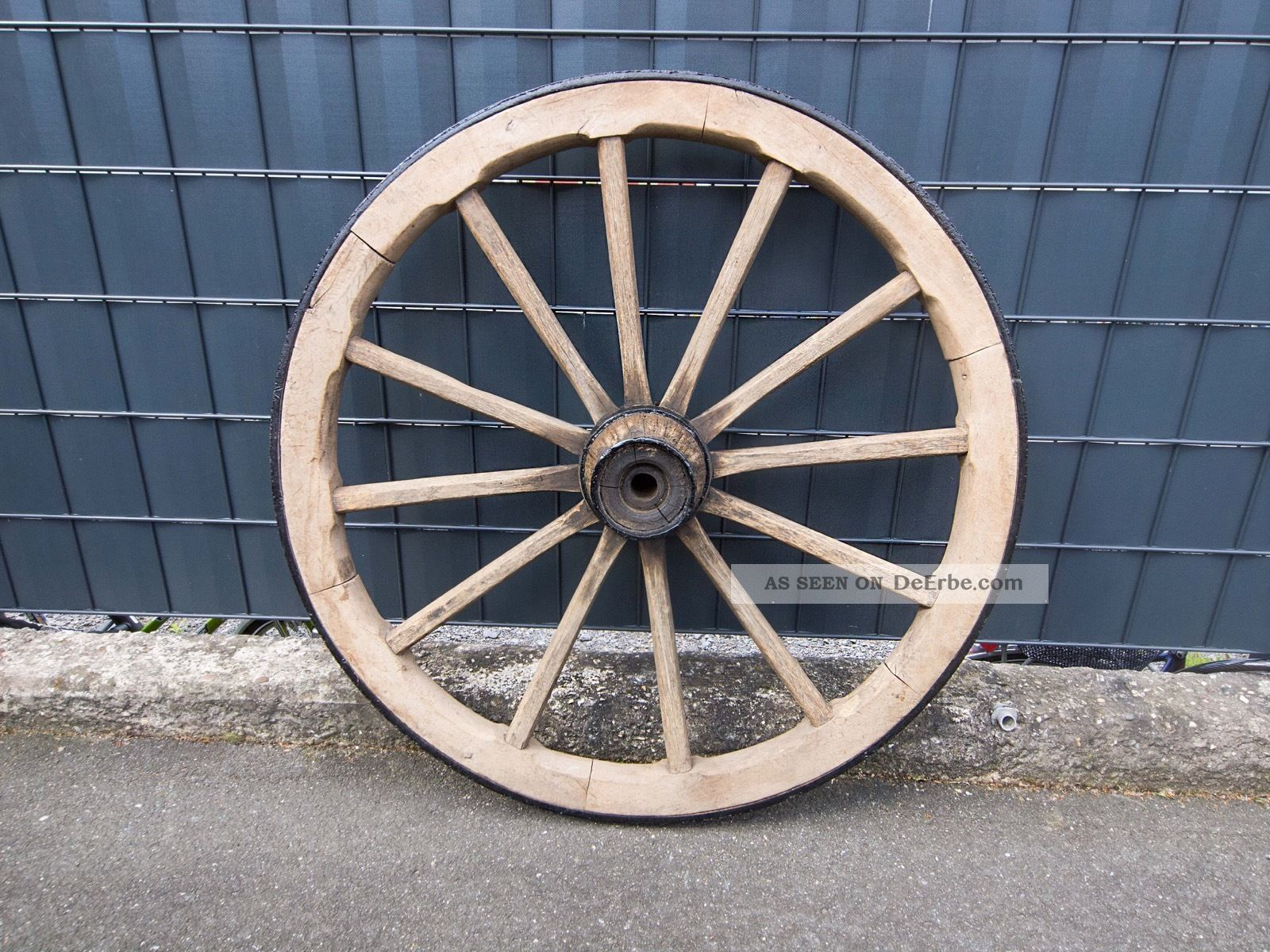 Wagenrad Holz Holzrad Speichenrad Kutschenrad Garten Western Heuwagen Gartendeko Bauer Bild