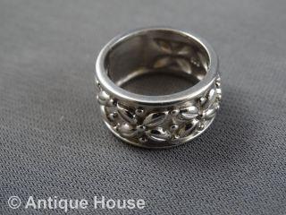 Silber 925 Schmuck Schmuckstück Breiter Massiver Ring Mit Blütendekor - Modern Bild