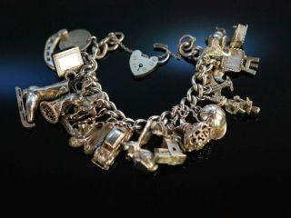 Vintage Silver Charm Bracelet Massives Bettel Armband Silber 925 London Um 1972 Bild