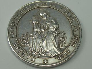 Klasse Alter Mutter Gottes Anhänger Aus Silber Bürgersodalität In Trier Bild