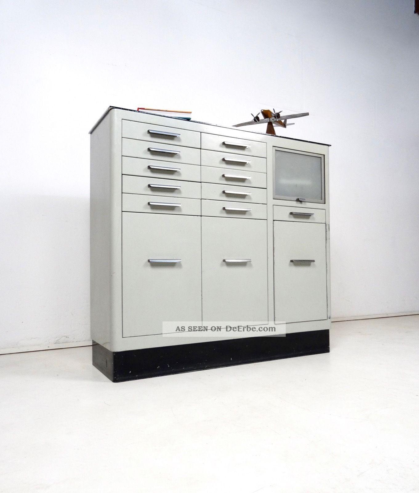 metall arztschrank 30er sideboard loft bauhaus arzt m bel. Black Bedroom Furniture Sets. Home Design Ideas