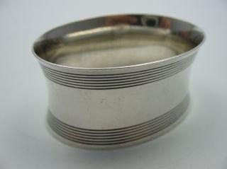Klasse Großer Alter Ovaler Serviettenring Aus 835 Silber Für Stoffservietten Bild