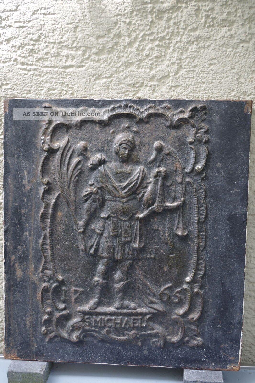Ofenplatte Gußeisen Darstellung Hl.  Michael Dat.  1765 (57) Original, vor 1960 gefertigt Bild