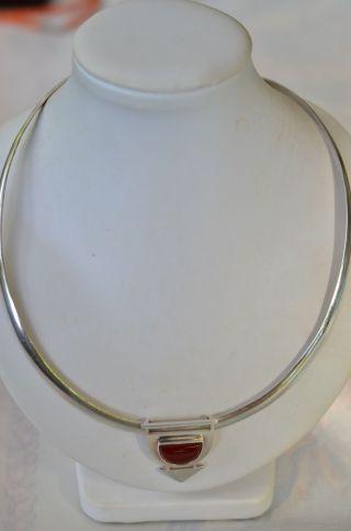 Schöner Silberschmuck Halsreif Mit Karneolanhänger Silber 925 Bild