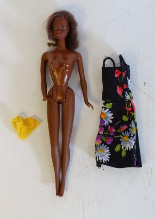 60er Jahre Barbie Puppe Rarität Mit Blumenkleid Und Gelbem Höschen Mattel 1966 Bild