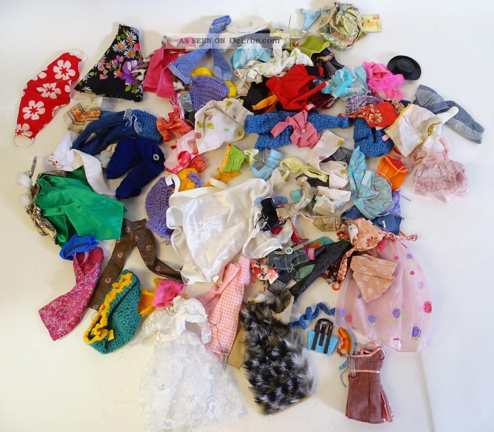 Tolles Konvolut Alter Puppen - Und Barbiekleidung Und Accesories Hose Tasche Usw. Original, gefertigt vor 1970 Bild