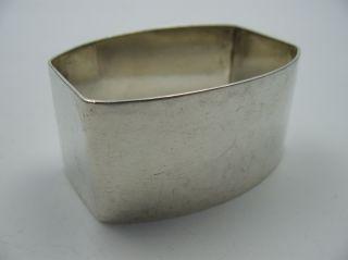 Handarbeit Schöner Hammerschlag Serviettenring Für Stoffservietten 925 Silber Bild