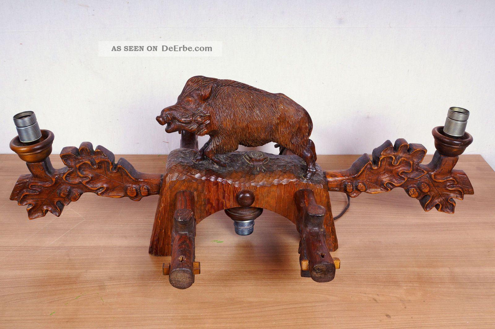 Geschnitzte Lampe Mit Wildschwein Holzarbeiten Bild