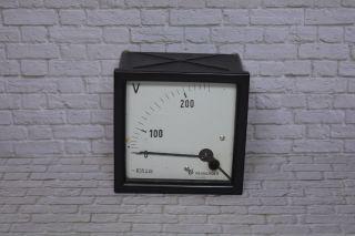 Voltmeter,  Hersteller Neuberger 0 - 200/250vac; K23 9 Bild