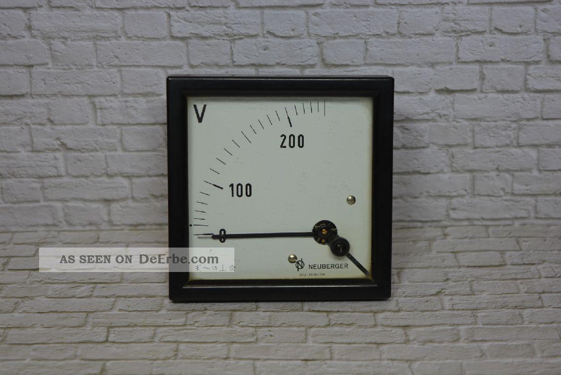 Voltmeter,  Hersteller Neuberger 0 - 200/250vac; K23 11 Wissenschaftliche Instrumente Bild