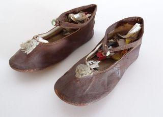Paar Antike Leder Kinderschuhe Babyschuhe Doll Shoes Shabby Chic Um 1920/1930 Bild