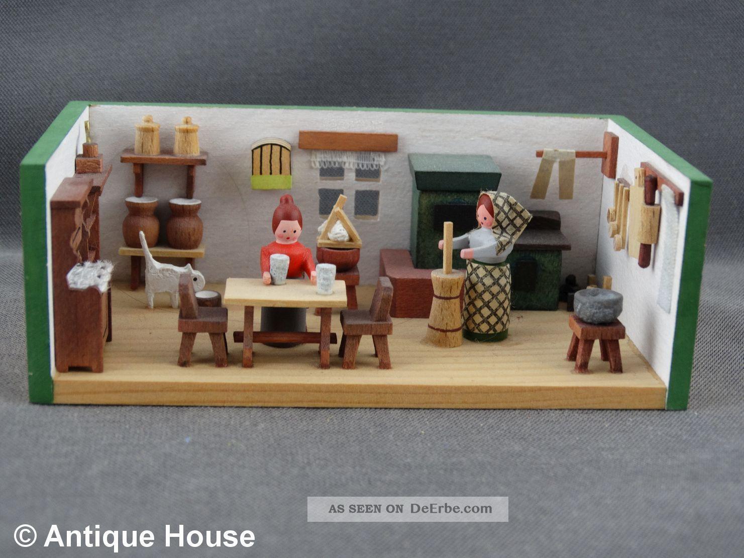 Erzgebirge Volkskunst Miniatur Dregeno Bauernstube Küche Butterfrau Objekte nach 1945 Bild
